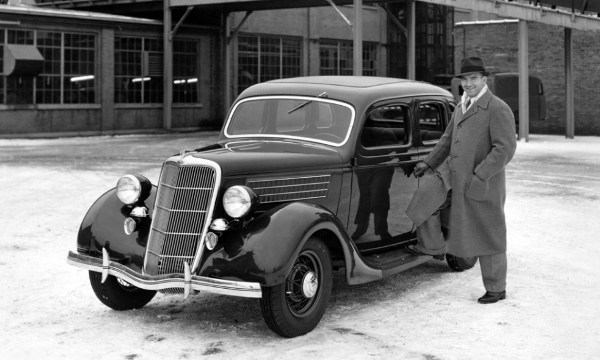 1935-ford-deluxe-fordor-plant